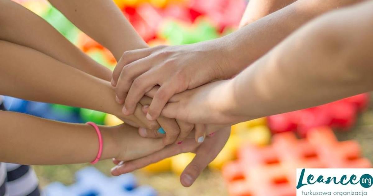 O nas Wsparcie i narzędzia NVC dla nauczycieli